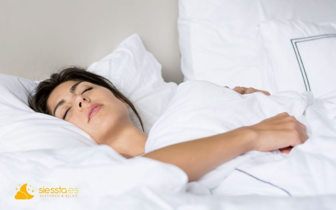 mujer duerme profundamente